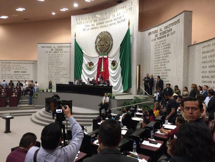 Diputados proponen que cargos municipales sean ocupados por profesionistas titulados