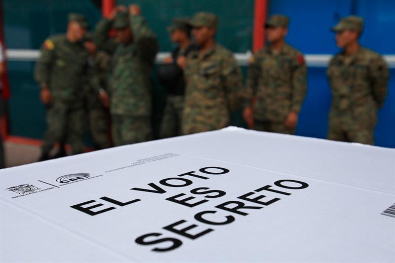Sedena y Semar sí vigilarán elecciones del 1 de julio: INE