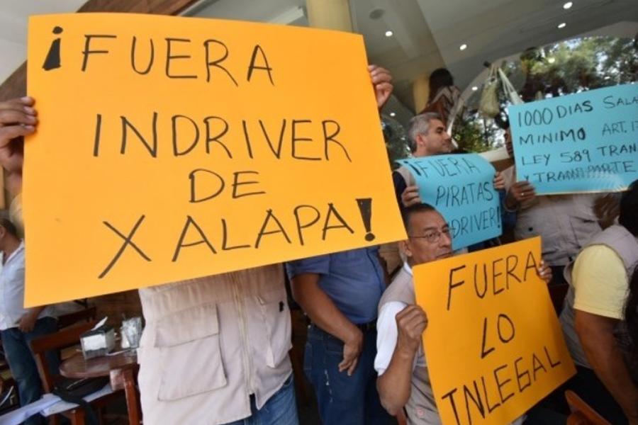 Taxistas harán redadas contra operadores de InDriver