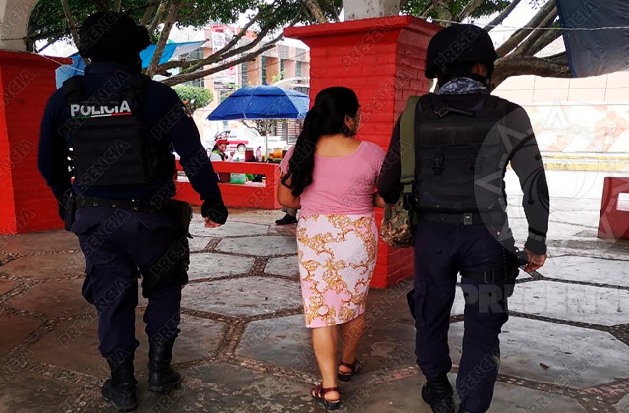Mujer es despojada de 17 mil pesos mandados de EU, paqueros se lo robaron