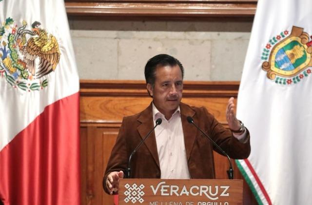 Tras amparo de niña, Cuitláhuac aclara que no hay vacunas para menores