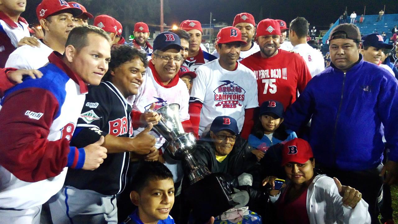 Brujos, hexacampeón de la Liga Invernal de Beisbol