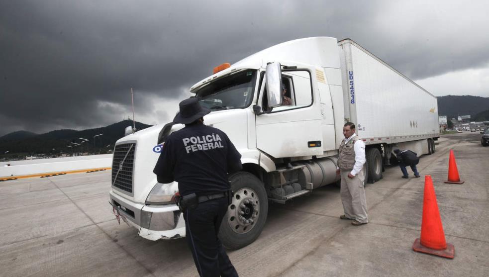 Transportistas alertan por inseguridad en carreteras de Veracruz