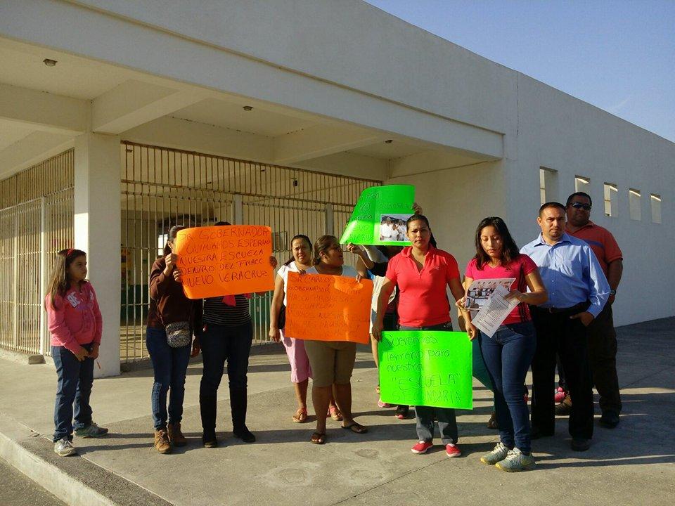 Sin servicio de luz y agua en la escuela Juan Maldonado Perera