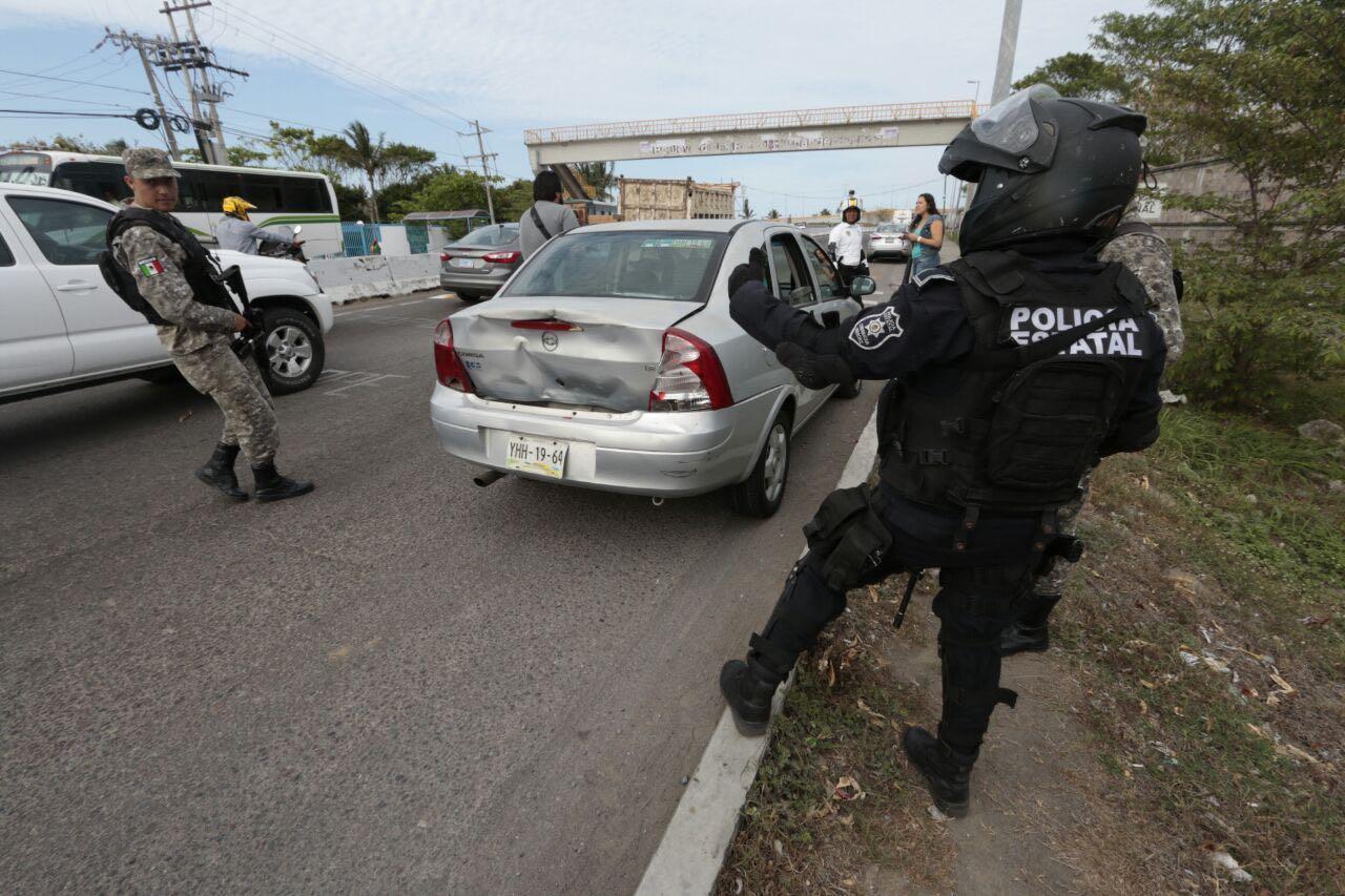 Periodistas son embestidos cuando reporteaban relleno de manglar