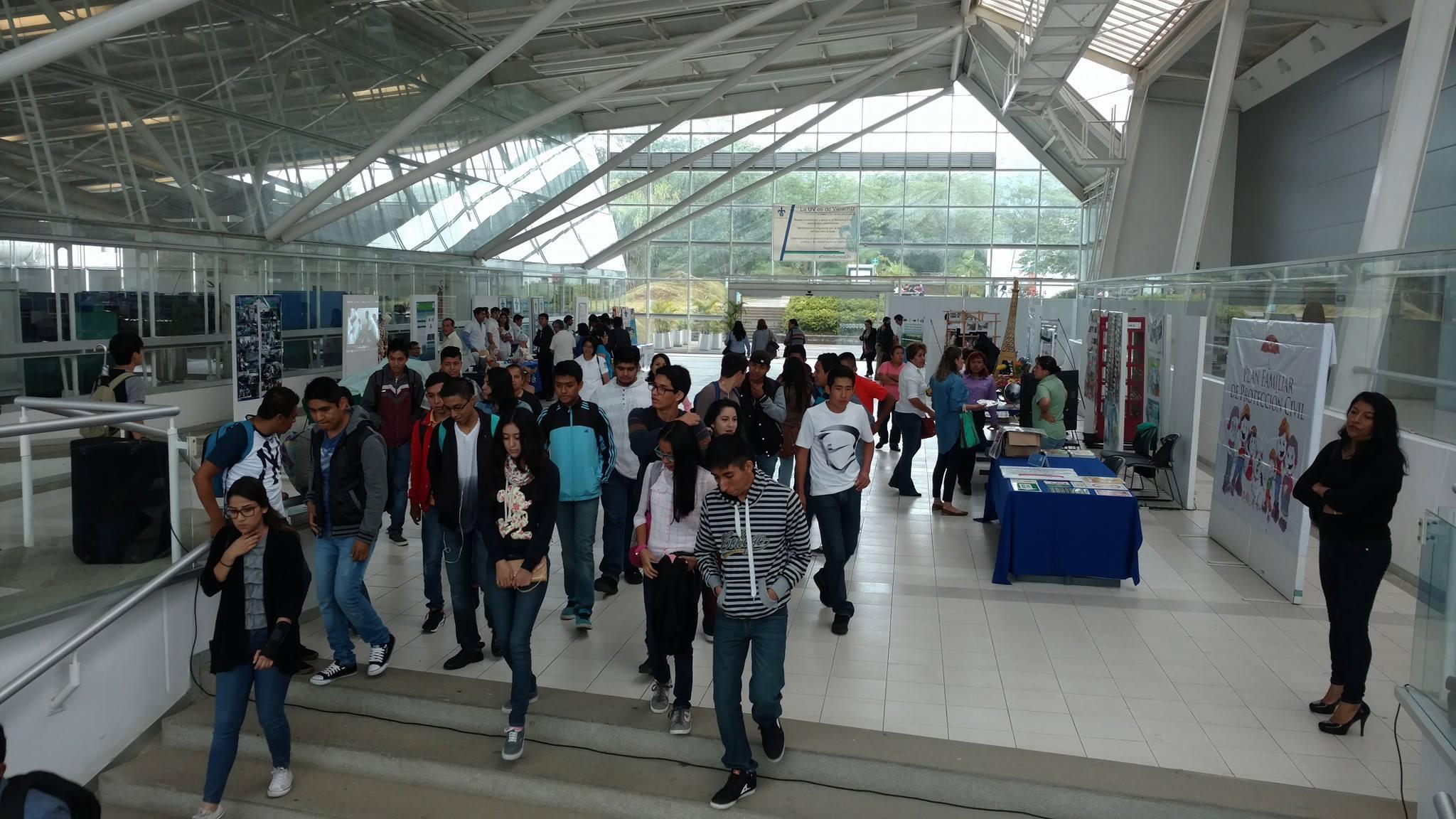 Uv suspende clases por jornada violenta en regi n c rdoba for Cursos facultad de arquitectura