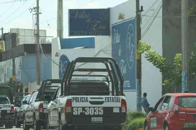 Aseguran a 72 migrantes alojados en hotel de Poza Rica