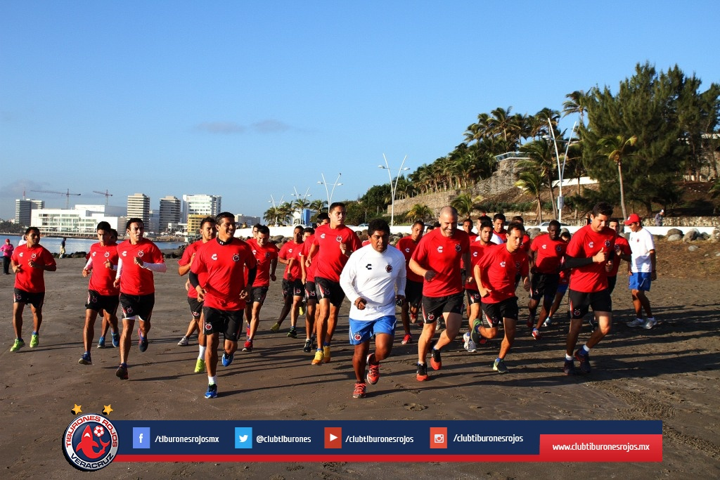 Tiburones Rojos presentan lista de transferibles para torneo Clausura 2015