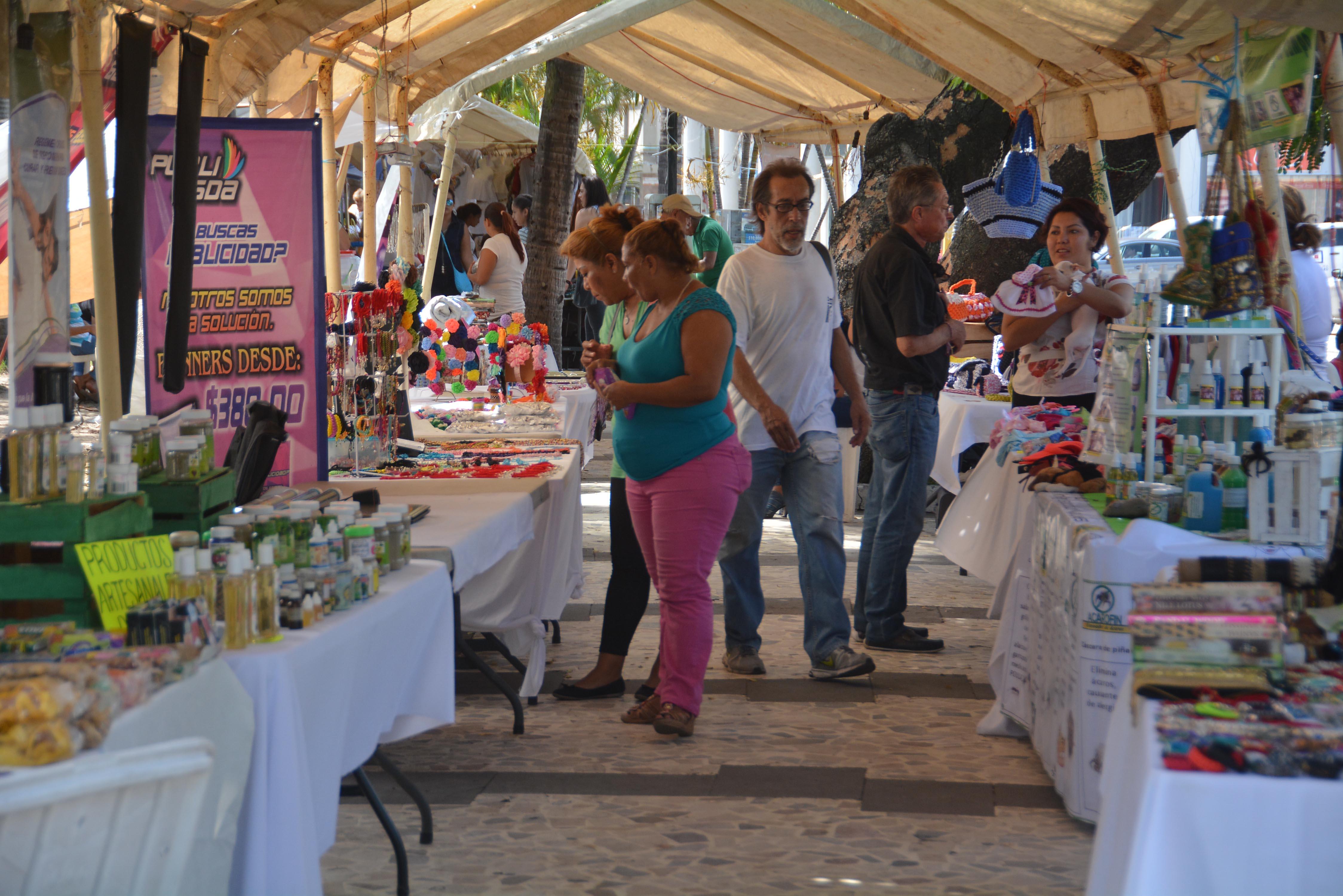 "Gobierno Municipal impulsa ""Expo Productores Veracruzanos"" en parque Zamora"