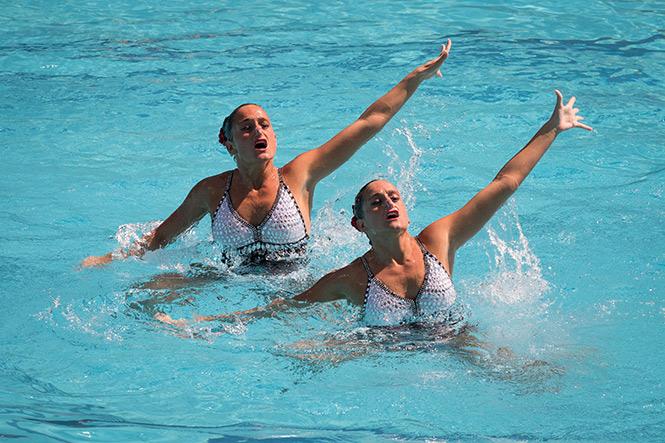 Dueto mexicano de nado sincronizado va por pase a la final