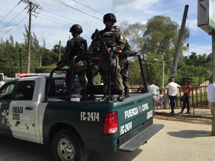 Detienen a cuatro sujetos con droga y un arma en Pánuco