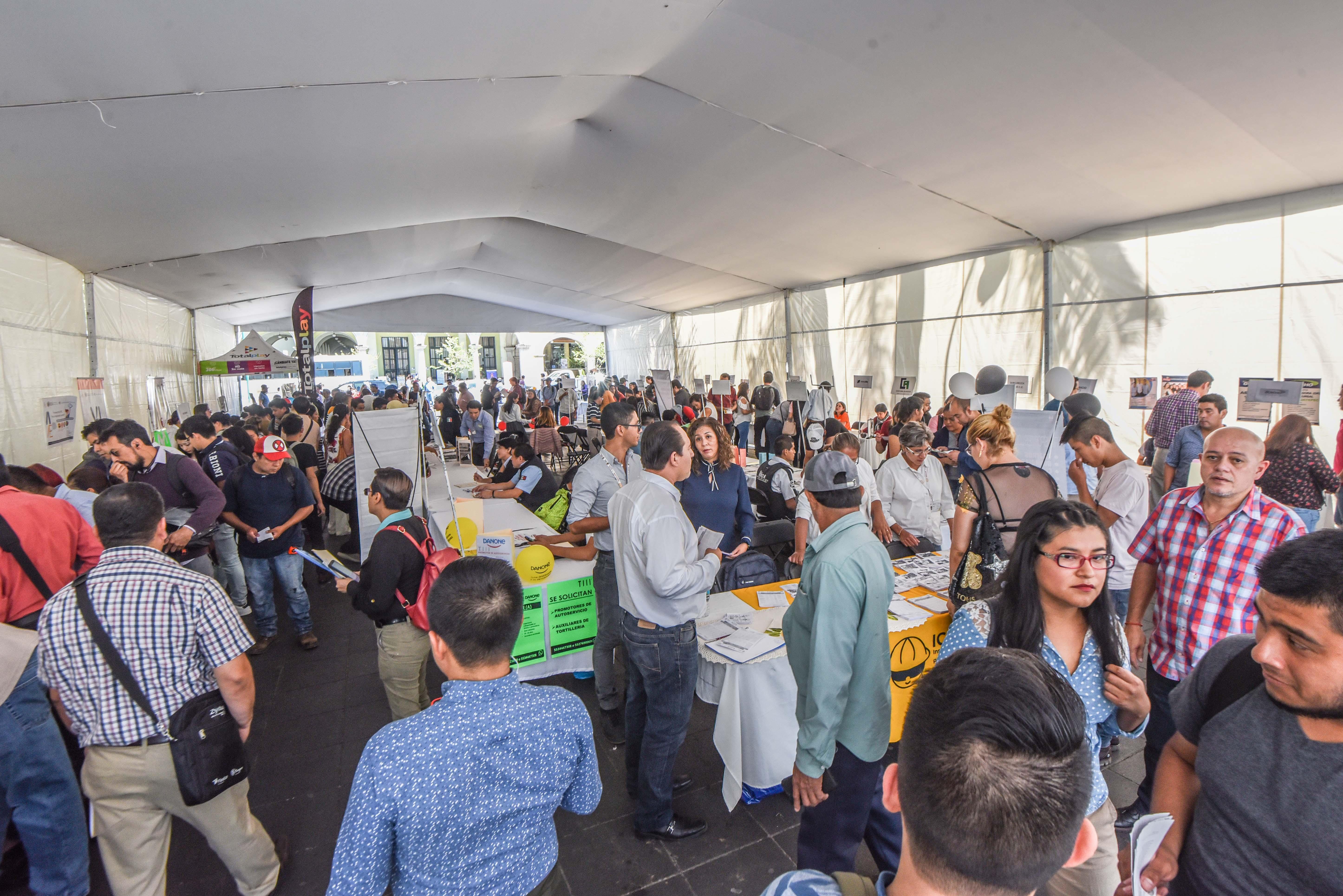 Más de 400 vacantes ofertadas en 2da Feria de Empleo, en Xalapa