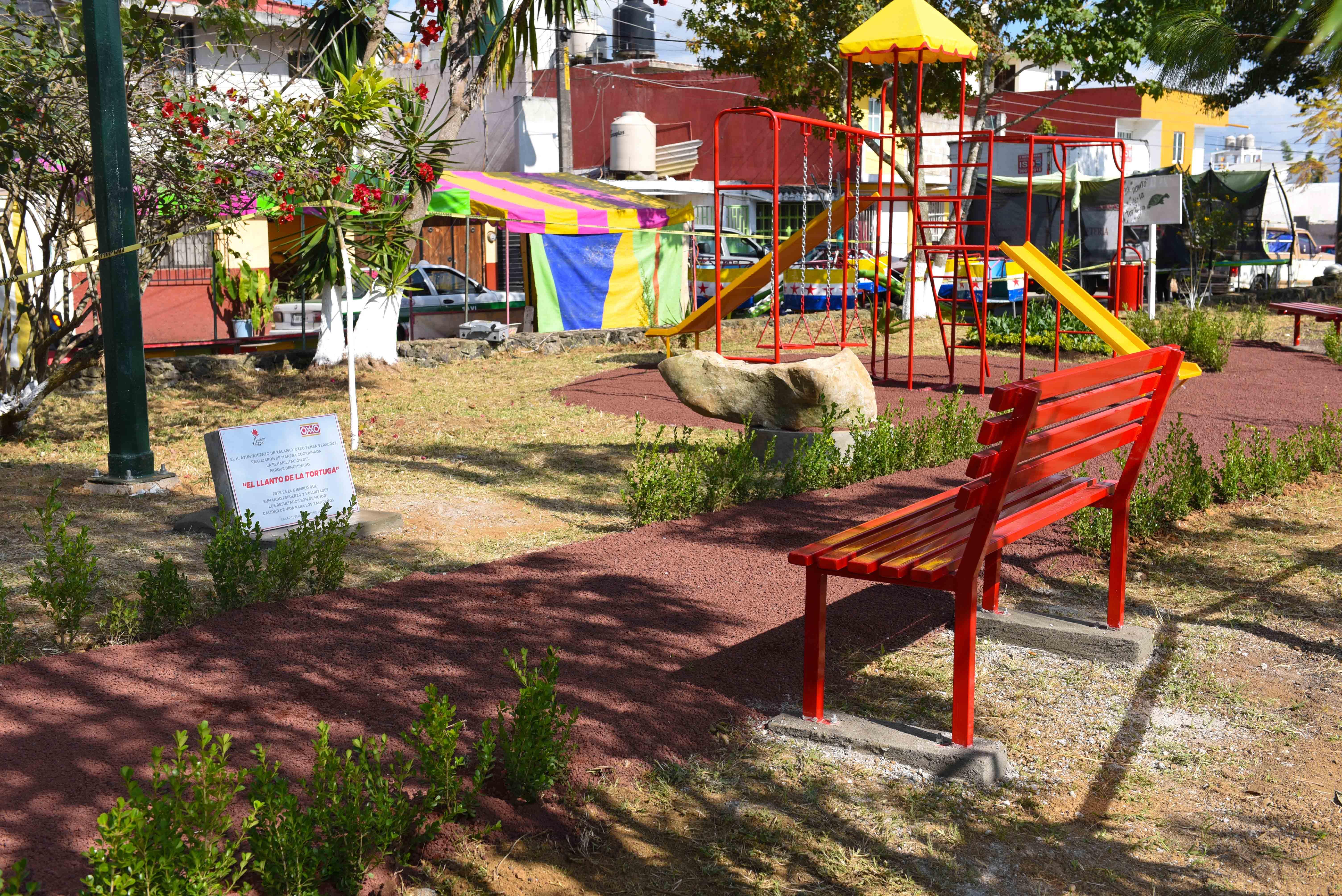 Rehabilitan parque de la colonia Moctezuma, en Xalapa