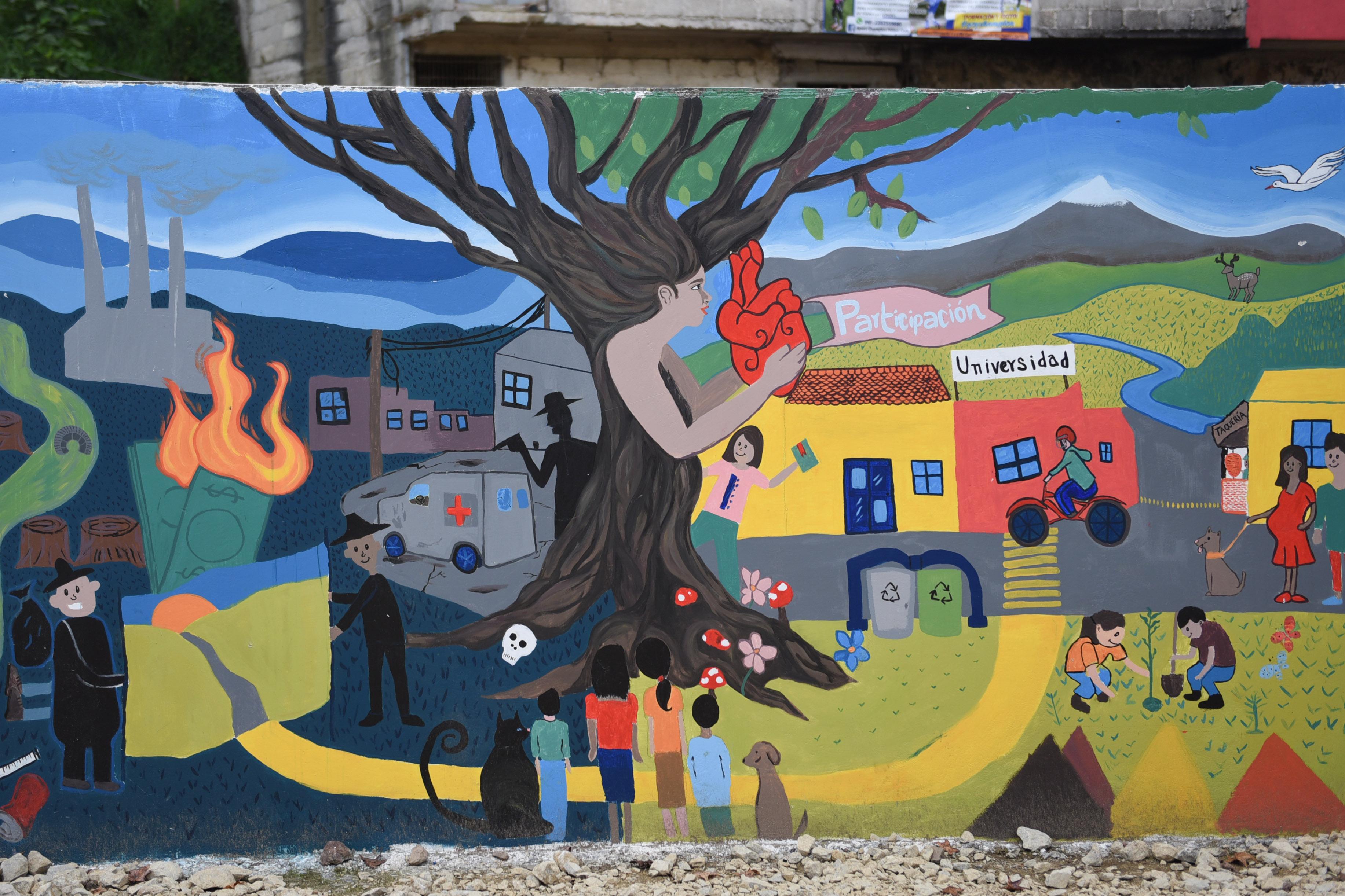 Inauguran murales por la democracia, en Xalapa