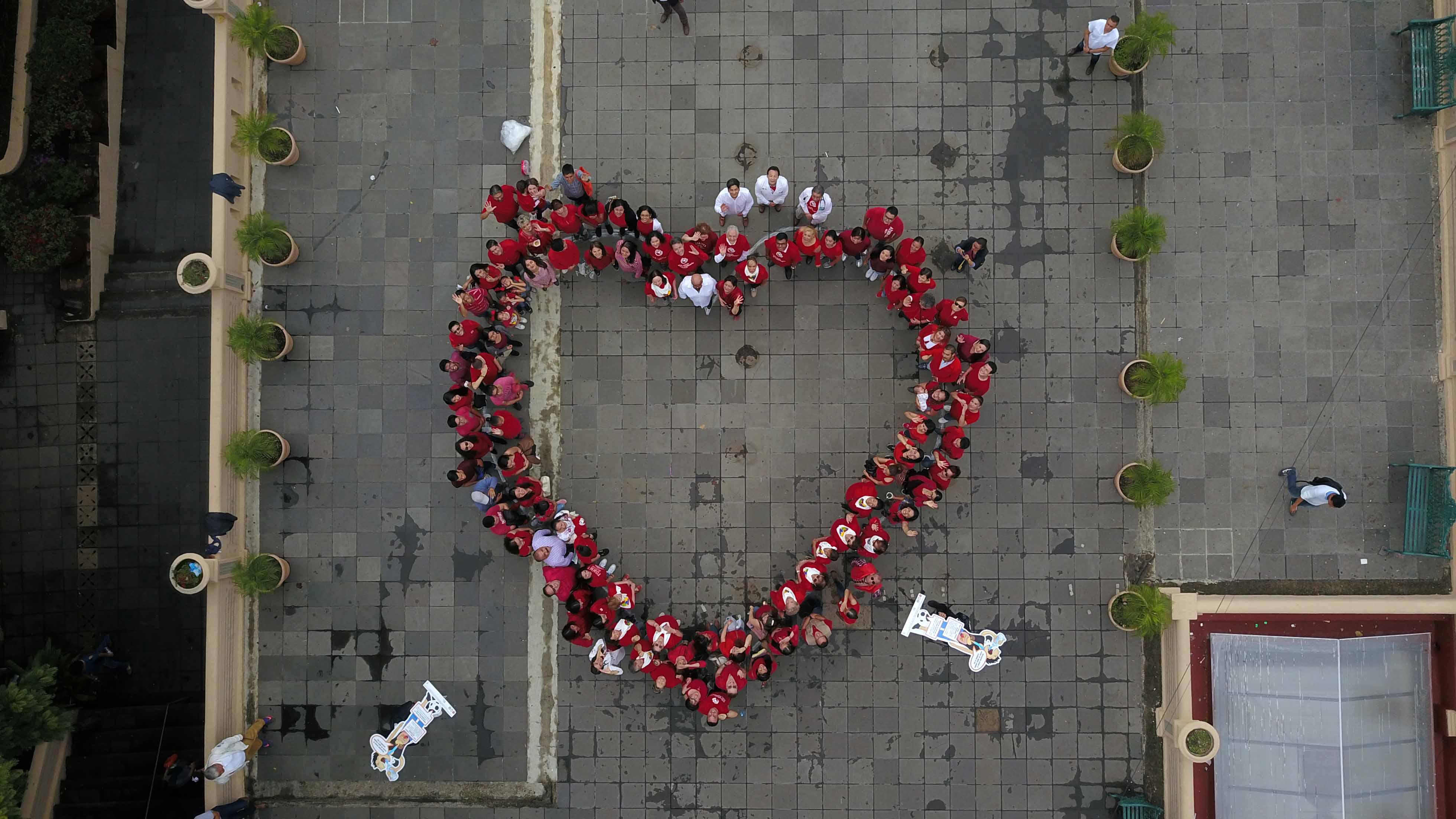 Con adquisición de desfibriladores, Xalapa se convierten en ciudad