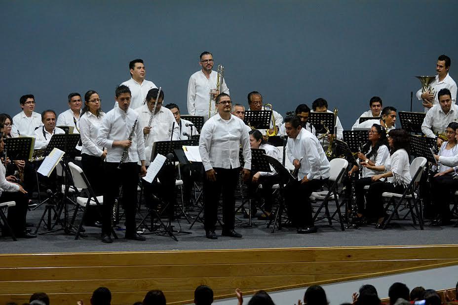 Canta Orquesta Municipal de Xalapa a México y su Constitución