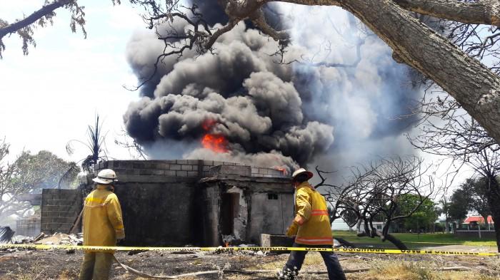Se incendia bodega clandestina de combustible en Alvarado