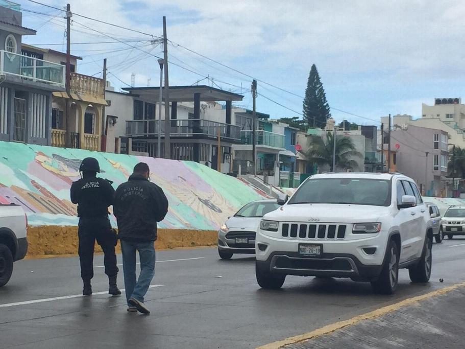 Movilización policial por balacera y persecución en Boca del Río