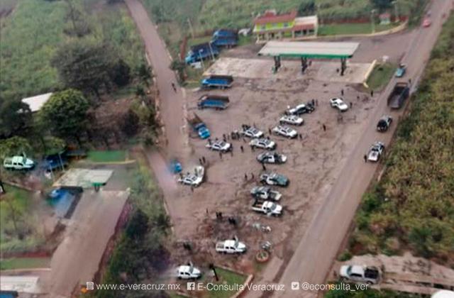 1 lesionado y 4 camiones quemados deja ataque a cañeros, en Omealca
