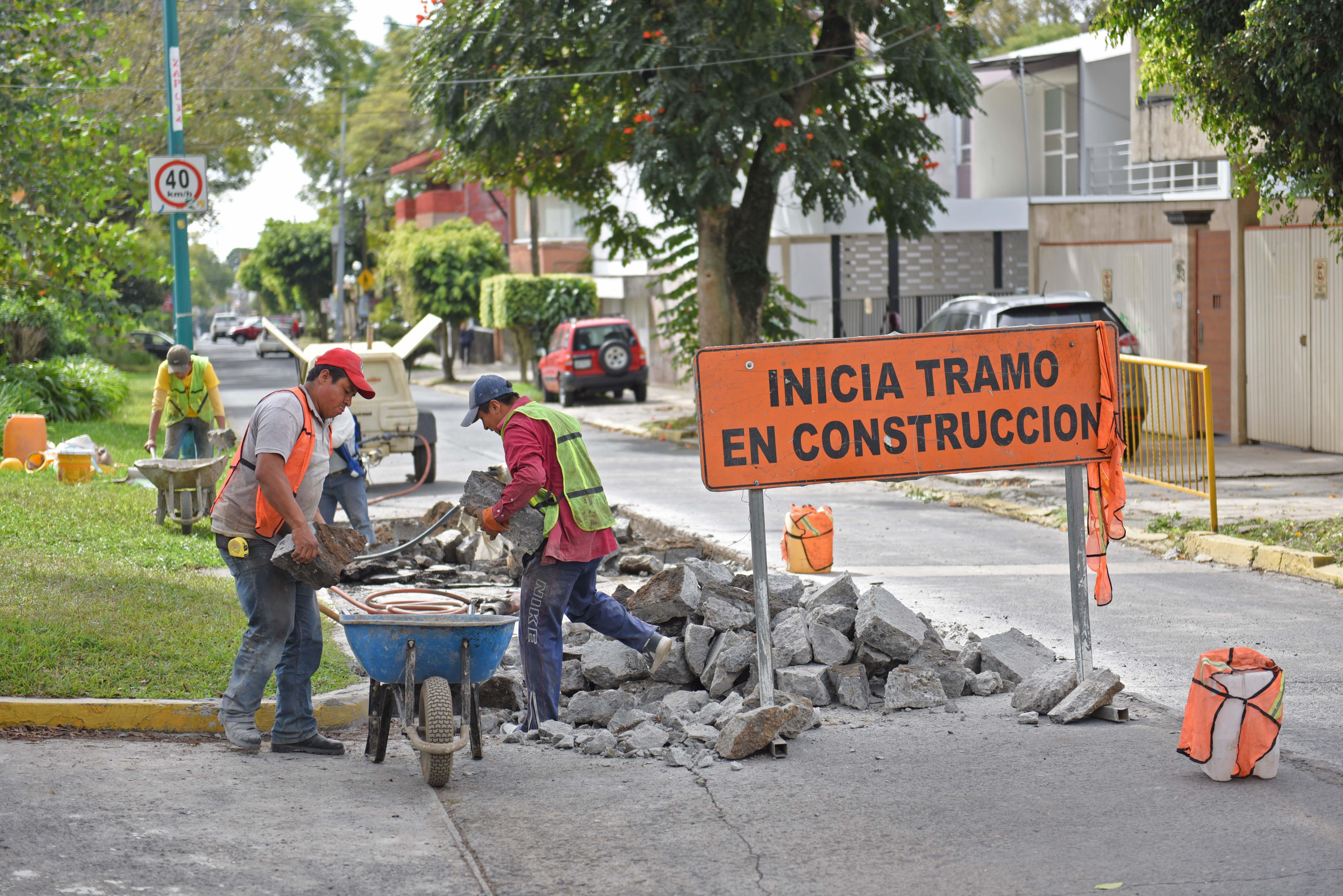 Avanza programa de bacheo en calles y avenidas de Xalapa