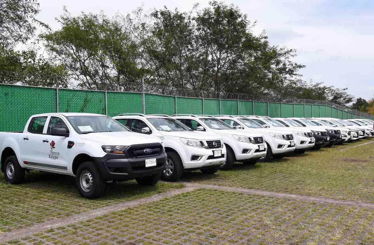 Ayuntamiento amplía parque vehicular para mejorar servicios públicos