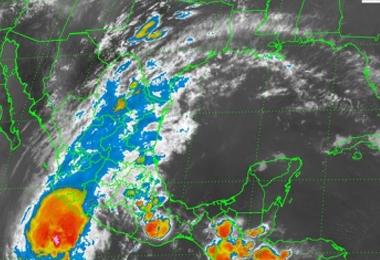 Huracán Blanca tocará tierra el próximo lunes en BCS: Conagua