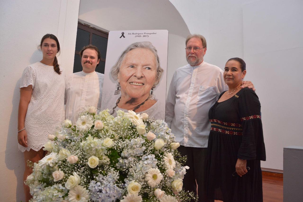 Rinden homenaje póstumo a Ida Rodríguez Prampolini en Sede del IVEC