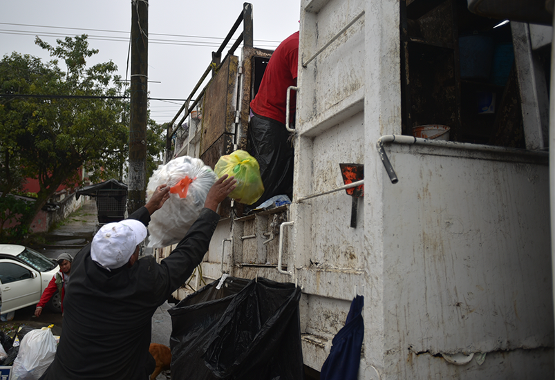 Xalapa: Proactiva se rehúsa a entregar relleno, Ayuntamiento denunciará