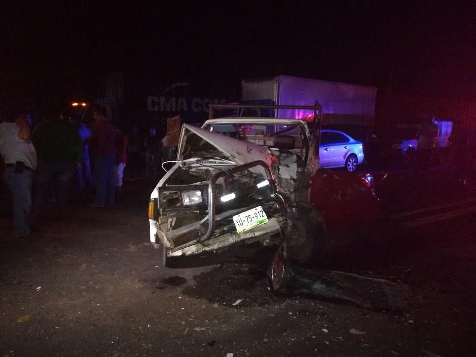 Accidente y bloqueo carretero en Tamarindo, Veracruz