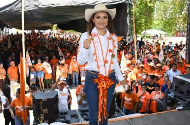 Secuestran a candidata de MC, y su familia, en Guerrero