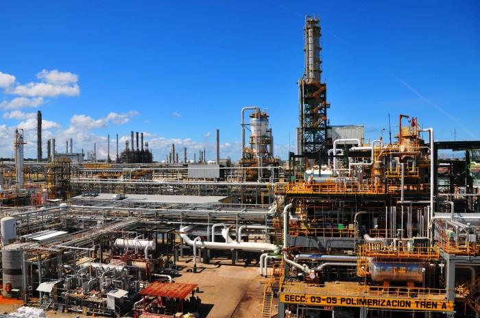Perdió Pemex $3,206 millones por las acciones en Repsol-YPF