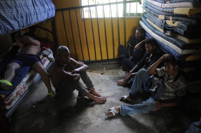 Policía Estatal detiene a 54 inmigrantes en el sur de Veracruz