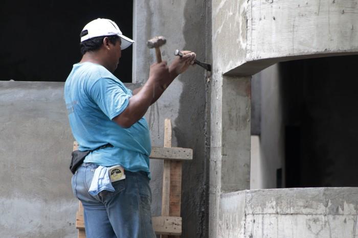 Sólo 3.7% de mexicanos que hallan trabajo reciben servicios de salud