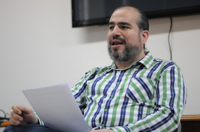 Aurelio Contreras presenta denuncia contra José Abella
