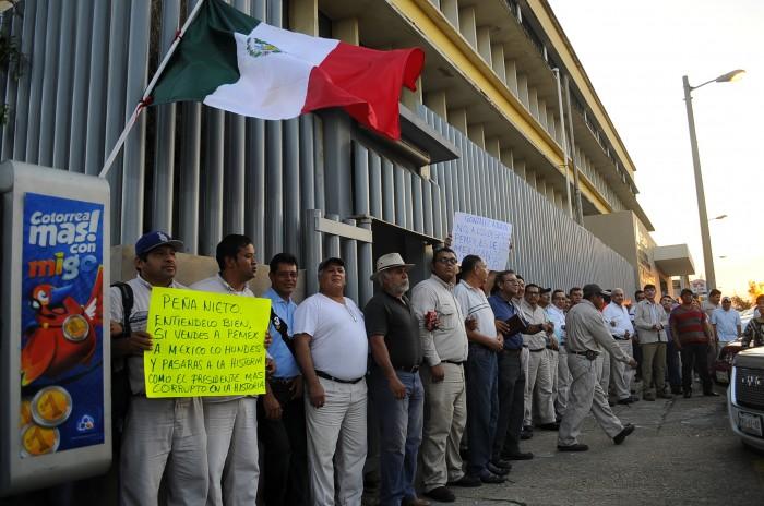 Veracruz perdió 25 mil 894 empleos por crisis petrolera