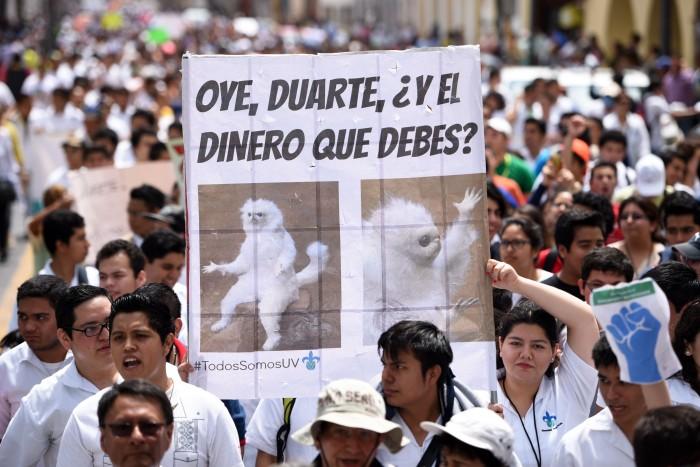 UV marchará para exigir a Javier Duarte el pago de mil 165 mdp