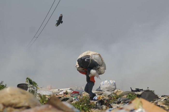 Reubicar el basurero Las Matas pide diputado federal