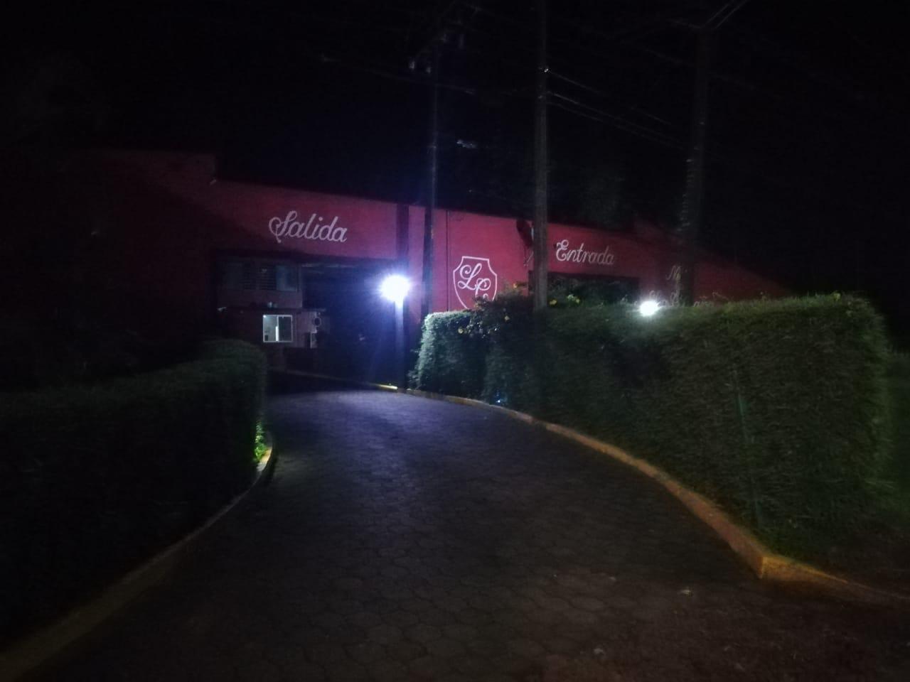 Asaltan a empleados y parejas en motel de Córdoba