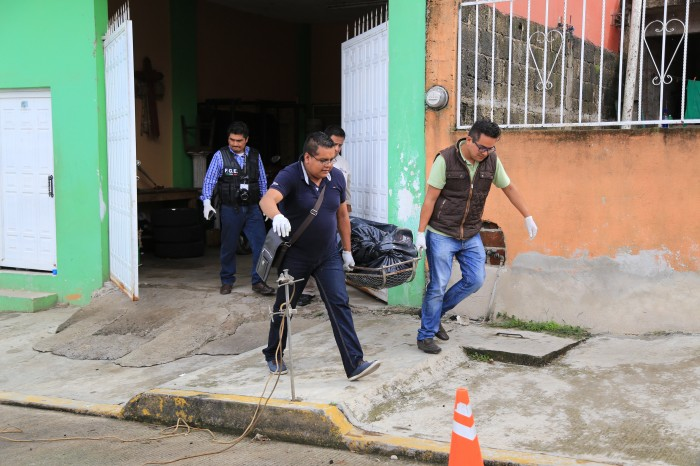 Encuentran cadáver dentro de casa en construcción en Xalapa