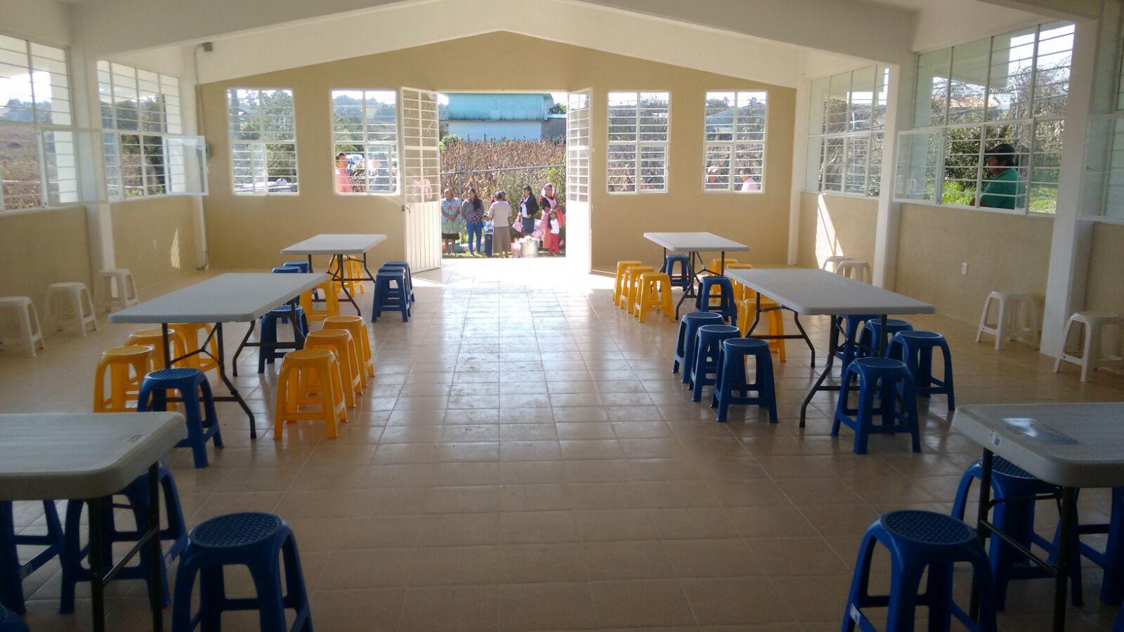 Inaugura Carlos Morales Comedor Escolar En La Comunidad