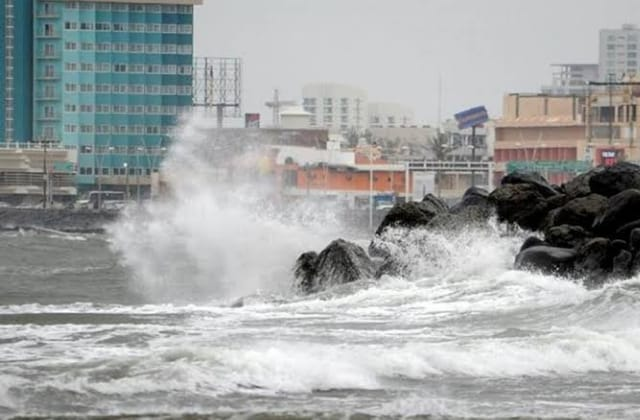 Alerta Gris: fuertes rachas de viento y alto oleaje en Veracruz