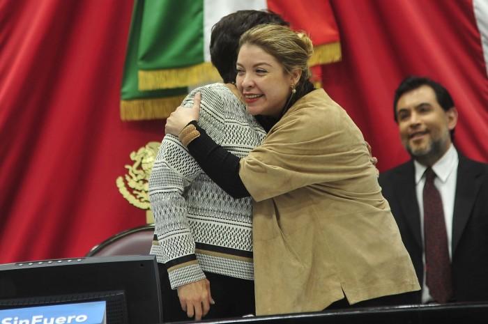 Regina Vázquez y Basilio Picazo dejan el PRI para unirse al PAN