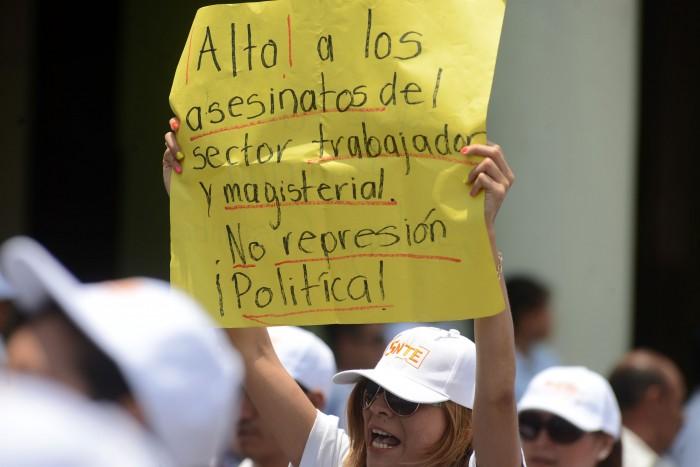 Inseguridad y deuda, persisten con Yunes: sindicatos magisteriales