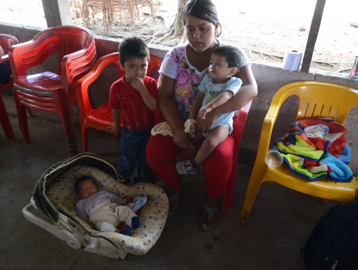 Trasladan a familiares de migrante veracruzano fallecido en Texas