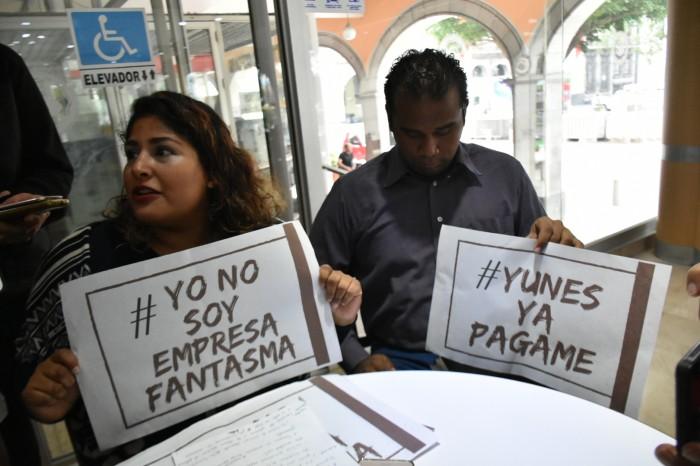 Empresarios crean página de Facebook con la leyenda #YunesYaPágame
