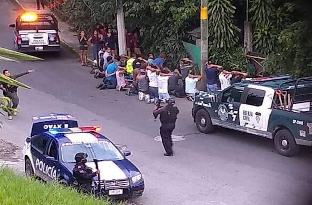 46 detenidos en clausura de bar clandestino de Ixtac