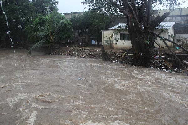 Frente Frío No. 7 provocó desbordamiento del río Uxpanapa