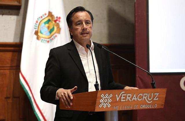 "Cuitláhuac arremete contra INE: no estuvo ""a la altura"" de Consulta"