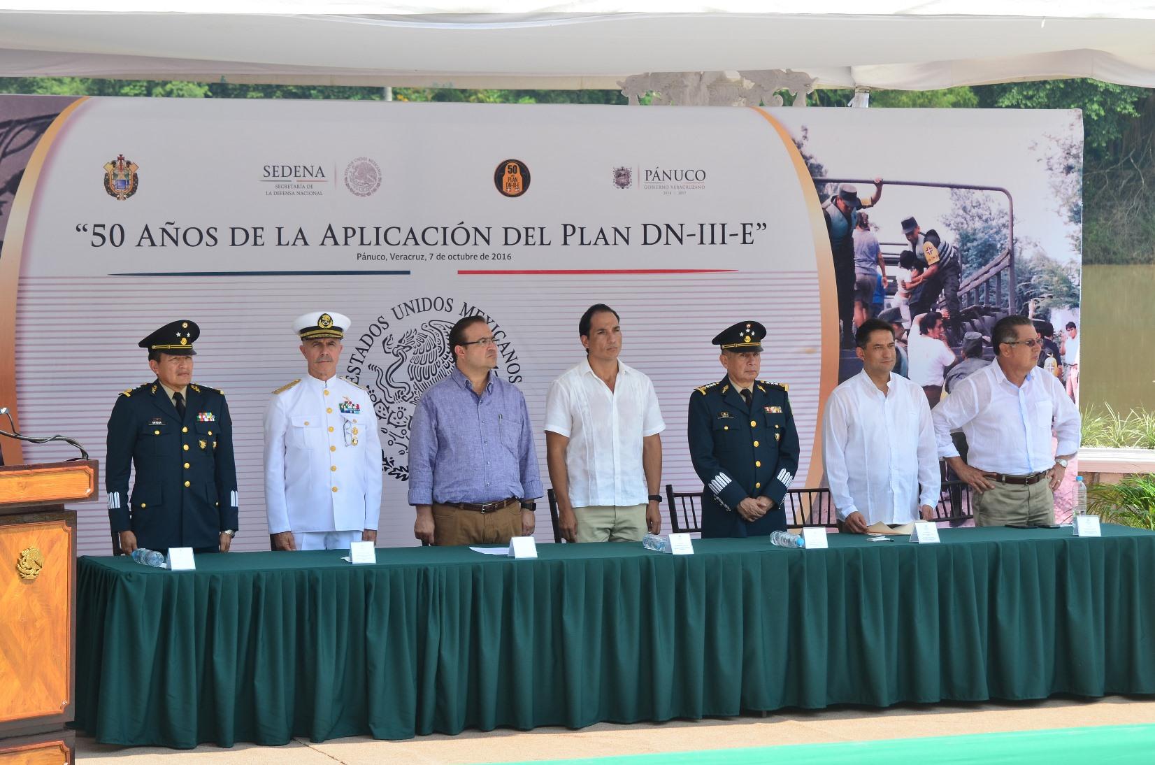 Encabeza Javier Duarte conmemoración de los 50 años de la aplicación del Plan DN-III-E