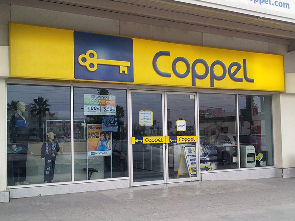 Tras asalto a Coppel de Banderilla, huyen con teléfonos celulares